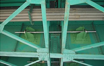 府中橋落橋防止装置